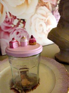 id e d 39 objet rigolo et mignon pot de confiture bonne maman avec son couvercle peint en rose. Black Bedroom Furniture Sets. Home Design Ideas