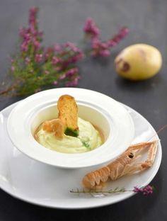 Crème de Blue Belle langoustines poêlées, yuzu cresson, jus de volaille à l'échalote - Chef Gilbert Guyon - ©F.Schmitt-Germicopa