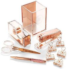 Stylish Office Desk Accessories and Supplies Kit For Women Rose Gold Desktop Accessory Set for Office Home Work Writing and Project Organizer with Copper Pen Scissors Stapler - Office Desk - Ideas of Office Desk Rose Gold Room Decor, Rose Gold Rooms, Cute Room Decor, Teen Room Decor, Cute Office Desk Accessories, Desktop Accessories, Copper Desk Accessories, Desk Accessories For Women, Make Up Tisch