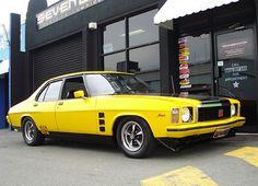 Love the four door, too. Australian Muscle Cars, Aussie Muscle Cars, Holden Muscle Cars, Holden Monaro, Holden Australia, Pontiac G8, Chevrolet Ss, Old School Cars, Automotive Art