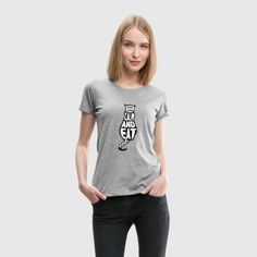 Volleyball Mom Men's Premium T-Shirt ✓ Unlimited options to combine colours, sizes & styles ✓ Discover T-Shirts by international designers now! My T Shirt, V Neck T Shirt, Shirt Men, Tee Shirts, Ireland Clothing, Super Pouvoirs, Volleyball Mom, Custom T Shirt Printing, How To Roll Sleeves