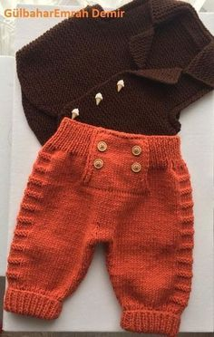 """Diy Crafts - Baby Ligt Green-Ligt Grey Line Hand knitted Overalls with detailed cabled bodice and Sweater """"A Ravelry pattern. Baby Ligt Green-L Knit Baby Pants, Knit Baby Sweaters, Knitted Baby Clothes, Baby Cardigan, Baby Boy Knitting, Knitting For Kids, Baby Knitting Patterns, Baby Patterns, Crochet Patterns"""