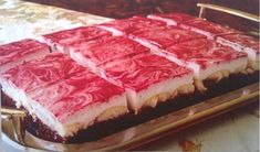 Kinder mliečny rez - rýchly a výborný koláčik bez múky! Czech Recipes, 20 Min, Sweet Recipes, Sweet Tooth, Cheesecake, Food And Drink, Sweets, Beef, Fish