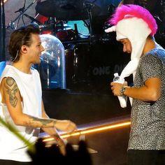 WEBSTA @ 1d.uupdates - Louis and Liam at concert in El Paso,Texas-United States(19/09/2014). #LouisTomlinson #LouisWilliamTomlinson #LiamPayne #LiamJamesPayne #WWAT #ElPaso #WhereWeAreTour #OneDirection #1D