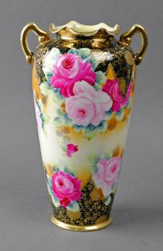 nipon vases | 187: NIPPON PAINTED AND GILDED ROSE-DECORATED VASE : Lot 187
