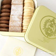 銀座ハプスブルク・ファイルヒェン テーベッカライ Kouign Amann, North And South America, Tin Boxes, Pound Cake, Sheet Pan, Macarons, Baked Goods, Packaging Design, Sweets