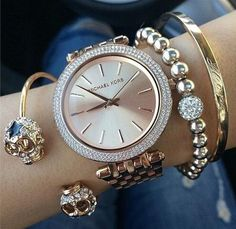 Amazing Michael Kors watch and cute accessories