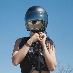 /// Biltwell Bonanza helmet + bubble shield