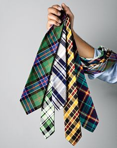 Love these plaid patterns. I think a man in a plaid tie is sexy! Looks Style, Looks Cool, My Style, Sharp Dressed Man, Well Dressed Men, Estilo Fashion, Mens Essentials, Suit And Tie, Swagg