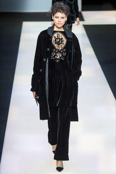 Sfilata Giorgio Armani Milano - Collezioni Autunno Inverno 2016-17 - Vogue