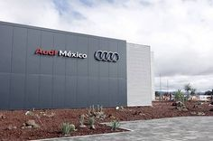 Evaden salarios y seguridad social proveedoras de Audi: STPS