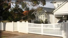 Old Malvern Pickets - suppliers of hardwood picket fences Front Gates, Front Fence, Fence Gate, Entrance Gates, Front Entry, Hamptons House, The Hamptons, Fancy Fence