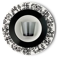 Iittala's Taika, Teema and Kartio in black and white. Just bloody gorgeous.