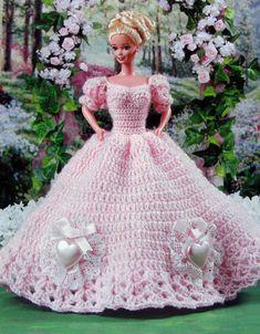 Résultat d'images pour barbie crochet ball gown patterns free Barbie Crochet Gown, Crochet Barbie Clothes, Barbie Gowns, Doll Clothes Barbie, Barbie Dress, Barbie Doll, Dolls, Crochet Dresses, Barbie Clothes Patterns