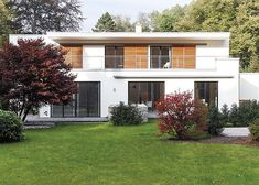 Bauhaus : Mollwitz Bauhaus, Bungalow, Luxury Homes Exterior, Style At Home, Garage Doors, Shed, Outdoor Structures, House Styles, Outdoor Decor