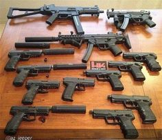 RAE Magazine Speedloaders will save you! Weapons Guns, Airsoft Guns, Guns And Ammo, Fille Et Dirt Bike, Arsenal, Submachine Gun, Firearms, Shotguns, Custom Guns