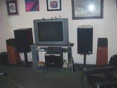 Terrible 90s living room appliances