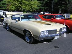 1970 Olds 4-4-2 W-30, Bamboo with gold stripes.
