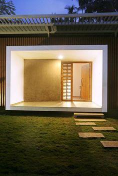 Minimal House Design In Kerala Minimal House Design, Minimal Home, Modern Exterior House Designs, Modern House Plans, Architecture Religieuse, Kerala House Design, Kerala Houses, Minimalist Architecture, Villa Design