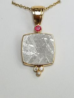 This pendant by artist Patrick Murphy is meteorite, spinel, and diamonds. Jewelry Crafts, Jewelry Art, Gold Jewelry, Jewellery, Patrick Murphy, Pendant Design, Crystal Jewelry, Handcrafted Jewelry, Bridal Jewelry