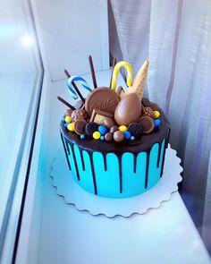Cookie Swirl C Cake – Cake Decororations Easy Cake Decorating, Birthday Cake Decorating, Decorating Ideas, Funny Birthday Cakes, Birthday Cake Girls, Buttercream Cake, Fondant Cakes, Cookie Swirl C, Bithday Cake