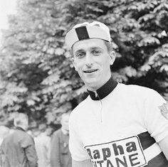Le cycliste britannique Tom Simpson sur le Tour de France en juillet 1960 en France