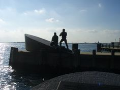 Merchant Mariner memorial at Battery Park. https://www.facebook.com/USMMAPARENTS/photos/pb.215655989051.-2207520000.1423411649./216920799051/?type=3
