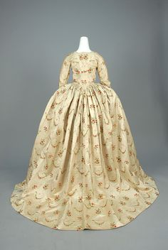 LOT 529 SILK ROBE a L'ANGLAISE, PROBABLY EUROPEAN, 1760 - 1775. - whitakerauction