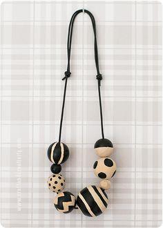 Halsband med målade träpärlor Painted wooden bead necklace | Craft & Creativity – Pyssel & DIY