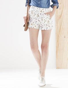 Short jacquard flores - DRESSY ROSE - Stradivarius España
