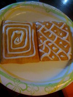 How to Make a Homemade Toaster Strudel Breakfast Pastry. Sometimes, when you want something sweet, a toaster strudel hits the spot. Breakfast Pastries, Breakfast Dessert, Breakfast Recipes, Breakfast Ideas, Homemade Toaster Strudel, Pastry Recipes, Danish Recipes, Candy Cakes, Creative Food