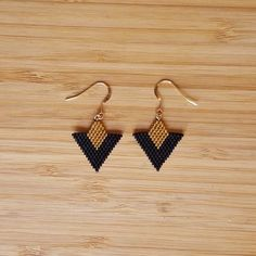 Tika Earrings in Gold Plated Gold Filled 14 carats and Miyuki glass beads hand sewn without loom. Beaded Earrings Patterns, Seed Bead Earrings, Diy Earrings, Beading Patterns, Black Earrings, Bead Sewing, Bead Jewellery, Loom Beading, Jewelry Crafts