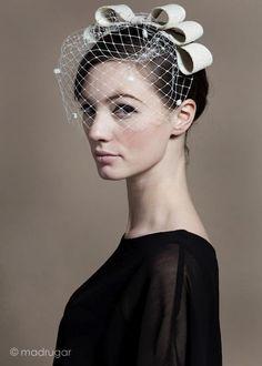 fascinator by katharine wallinger for madrugar Bridal Headpieces, Fascinators, Bridal Hair, Hat Hairstyles, Wedding Hairstyles, Wedding Hats, Wedding Dresses, Fascinator Headband, Cocktail Hat