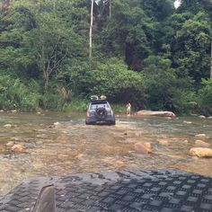 En route via river crossing to jungle trail. #landroverdefender90 #landroverdefender #4x4 #4wd #landrover #offroad #landy #landroverowners #landrover by bengyk En route via river crossing to jungle trail. #landroverdefender90 #landroverdefender #4x4 #4wd #landrover #offroad #landy #landroverowners #landrover