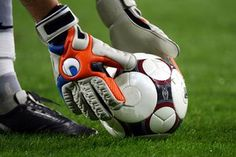 How to Get Smell Out of Soccer Goalie Gloves using sneaker balls, newspaper, glove wash solution, and foot powder. Soccer Goalie, Soccer Gear, Soccer Tips, Play Soccer, Soccer Players, Soccer Ball, Soccer Locker, Soccer Stuff, Goalie Gloves