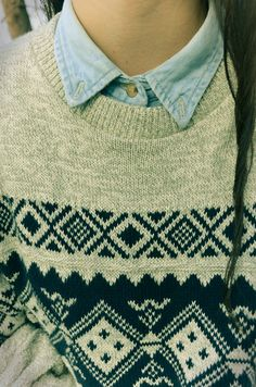 i love the look of collared shirts underneath sweaters. a great look for autumn or winter and even better for school to look studious and put together.