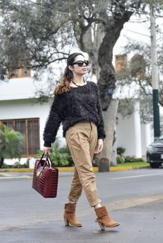 Street style - tapered pants - Fiorella Requejo - FLAVOUR TREND BLOG (facebook)