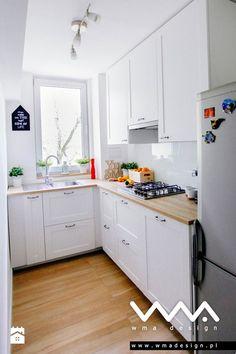 Nowoczesne białe kuchnie od zawsze budzą skrajne emocje. Jedni je kochają…