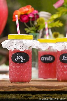 Dreaming of warmer weather? Turn a simple glass jar into drinkware that will have your party guests sipping pretty and feeling like sweet summer time.