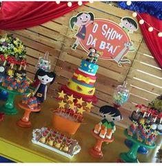 Decoração clean e muito fofa no tema Show da Luna by @bibelotdecor e doces by @anafulana #festa #par - amor_por_festa 5th Birthday, Birthday Candles, Party, Maria Alice, Diy, Space Party, Princess Party, Do It Yourself, Fiesta Party