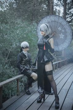 2B and 9S cosplay from Nier: Automata
