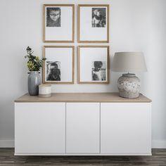 Aparador Trend | Blanco y madera, ¡la mezcla perfecta! Consigue un estilo moderno y nórdico en tu hogar con este aparador Trend, colgado a la pared. Está compuesto por tres módulos con puerta, en color blanco, y con el sobre de roble. Medidas: Ancho 160 cm / Fondo 42 cm / Alto 64,5 cm #kenayhome #home #aparador #trend #blanco #madera #natural #roble #almacenaje #salón #comedor #estilo #nórdico #moderno #diseño #interior #hogar #estancia #habitación #escandinava