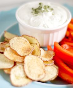 Welcome to living Green & Frugally. We aim to provide all your natural and frugal needs with lots of great tips and advice, Easy Homemade Microwave Potato Chips Appetizer Recipes, Snack Recipes, Cooking Recipes, Snacks, Appetizers, Dip Recipes, Microwave Potato Chips, How To Make Potatoes, Sour Cream And Onion