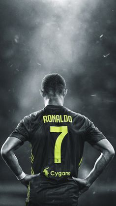 Looking for New 2019 Juventus Wallpapers of Cristiano Ronaldo? So, Here is Cristiano Ronaldo Juventus Wallpapers and Images Cristiano Ronaldo 7, Cr7 Messi, Ronaldo Football, Messi And Ronaldo, Neymar, Football Football, Cr7 Wallpapers, Juventus Wallpapers, Iphone Wallpapers