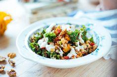Quinoa- och kikärtssallad med rostad pumpa & valnötter - Vegoteket