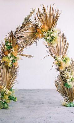 Wedding Trend Alert: Dried Palm Leaves