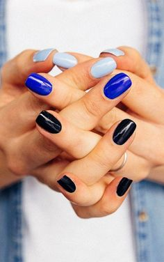 Cool blue nails for summer