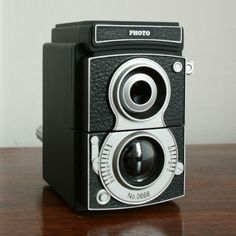 I want this. It's pencil sharpener, but it looks like the timeless cameras that we all love, but have no reason to have.