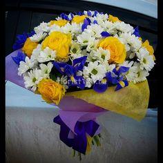 Букет из роз, ирисов и хризантем #цветы #хризантемы #розы #ирисы #букет #букетназаказ #цветыназаказ #доставкацветов #доставкацветовкраснодар #цветочнаякомпозиция #краснодар #florist123 #zvetochniyvals #цветочныйвальс #цветочныйвальскраснодар #zvetochniyvalskrasnodar #krasnodar #заказатьцветы #заказроз #цветысдоставкой #купитьцветы #купитьцветывкраснодаре #купитьрозывкраснодаре #купитьрозы #букетцветов #цветыкраснодар #краснодарцветы #цветывкраснодаре #флорист123