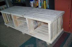 DIY Pallet TV Stand Ideas | DIY and Crafts